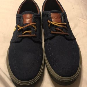 Brand new pair of navy blue men's canvas shoes